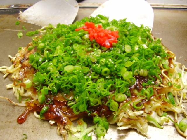 お好み焼きの作り方 広島風お好み焼きの出来上がりです!